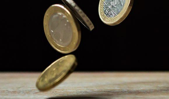 Consultoria IDados na GloboNews: contratações crescem, mas salários não acompanham