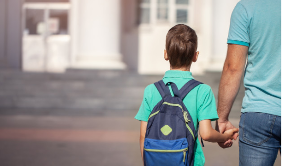 O que pode explicar o alto percentual de jovens que não frequentam a escola por desinteresse?
