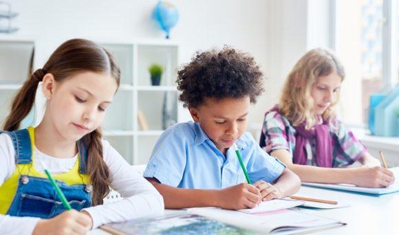 IDados na Folha de S. Paulo: Escolas deverão ter volta escalonada com aulas presenciais e a distância